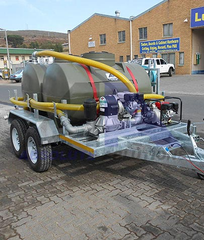 Our range of tanker transport trailers includes units with capacities between 500 and 2500 liters, with different pump options, filters, hoses and reels for water, sewage, diesel and other transport.