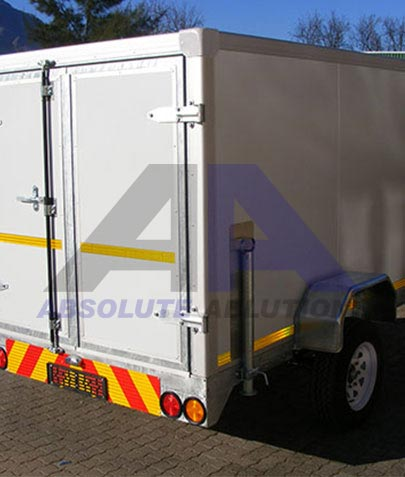This multi purpose insulated box trailer is ideal for luggage transport, or, with a cooler unit for food transport.