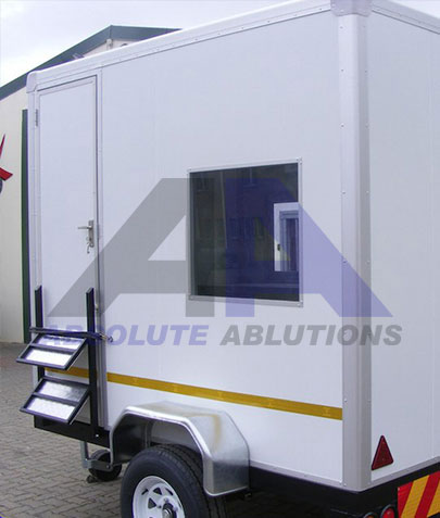 Mobile site office with many applications. Used in construction, road maintenance and security sectors